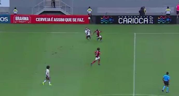 Henrique, do Vasco, dá lençol e é o abusado da rodada (Foto: Reprodução/SporTV)