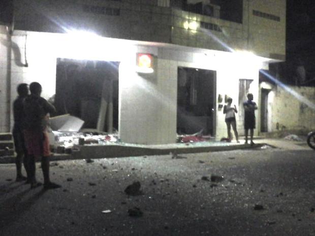 Explosão de caixas ocorreu em Chã de Alegria (Foto: WhatsApp)