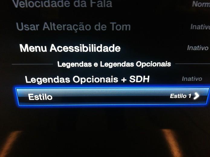 Acessando as configurações de legenda da Apple TV (Foto: Reprodução/Marvin Costa)