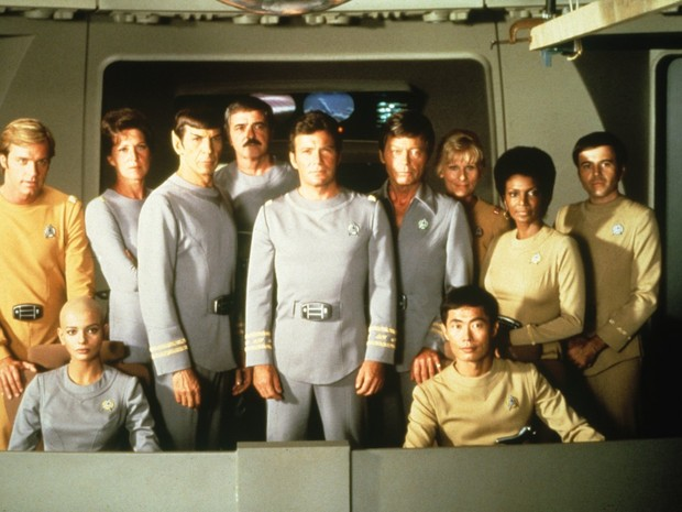 Tripulação da primeira viagem da Enterprise nos cinemas em 'Jornada nas estrelas: O filme' (Foto: Divulgação)