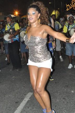 Juliana Alves no ensaio de rua da Undos da Tijuca (Foto: Paulo Roberto Nascimento/ Divulgação)