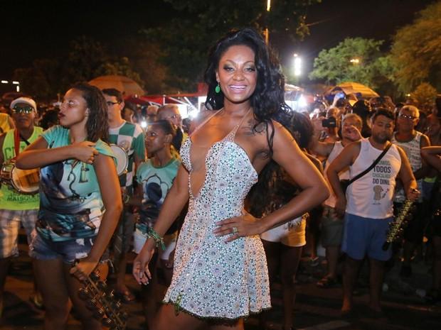 Camila Silva, rainha de bateria da Mocidade, em ensaio da agremiação na Zona Norte do Rio (Foto: Daniel Pinheiro/ Ag. News)