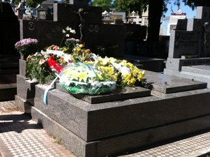 cemitério santa maria irmãos boate incêndio enterro (Foto: Tatiana Lopes/G1)