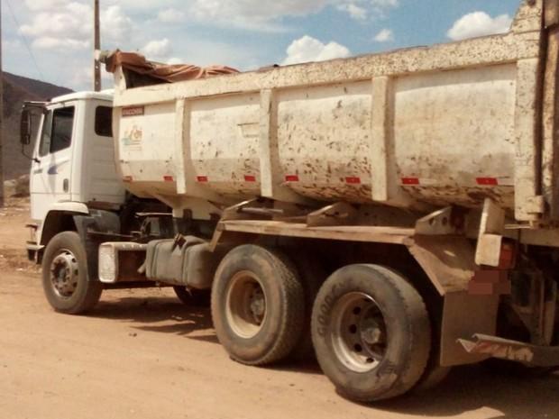 Caminhão envolvido em acidente na BR-232 em Serra Talhada, Sertão de Pernambuco (Foto: Divulgação/ Polícia Militar)