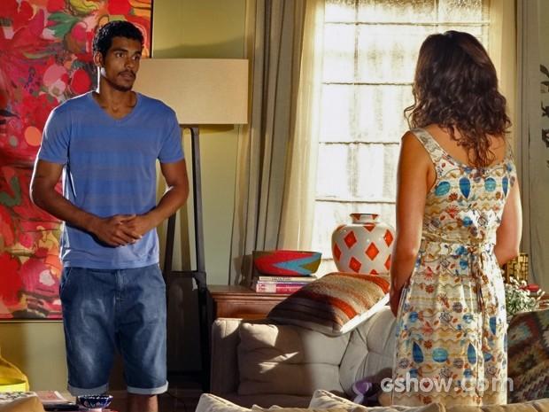 Jairo pede dinheiro à Juliana (Foto: Em Família/ TV Globo)