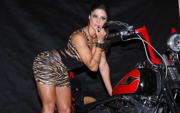Aline Riscado em moto, gostosa em moto, Mulher semi nua em moto, Famous on bike, woman motorcycle, babes on bike, woman on bike, sexy on bike, sexy on motorcycle, ragazza in moto, donna calda in moto, femme chaude sur la moto, mujer caliente en motocicleta, chica en moto, heiße Frau auf dem Motorrad