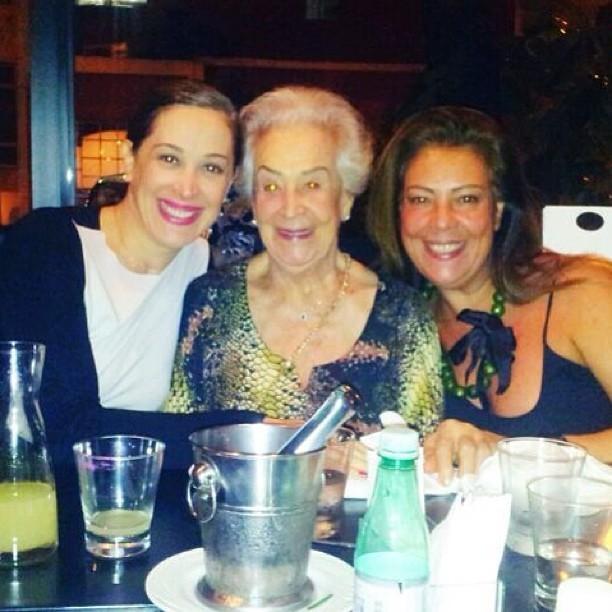 Claudia Raia com a mãe, Odete, e a irmã, Olenka (Foto: Reprodução / Instagram)