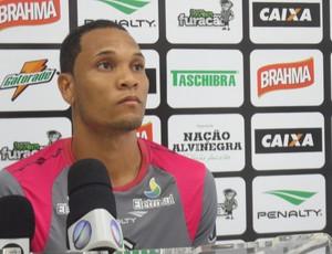 Thiego zagueiro Figueirense (Foto: João Lucas Cardoso)
