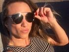 Ex-BBB Michelly posta selfie e ostenta barriga saradíssima