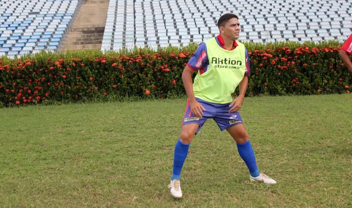 Meia Darley, do Piauí (Foto: Abdias Bideh/GloboEsporte.com)