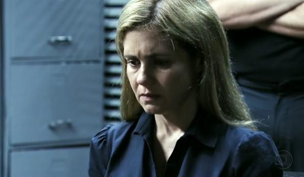 personagem Carminha (Adriana Esteves), que assumiu ser a assassina ...