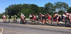 Atletas durante a primeira etapa da copa de ciclismo (Foto: Associação de Ciclismo Velho Chico/Divulgação)