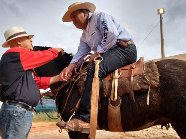 Companheirismo e amizade são ensinados pelos mais velhos aos mais novos (Foto: Carlos Alberto Soares/ TV TEM)