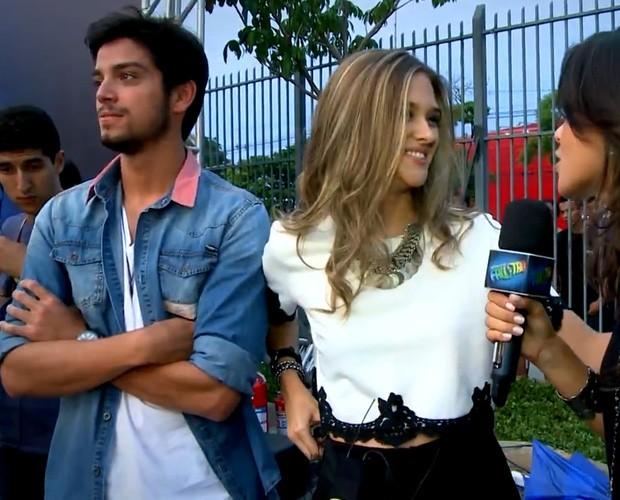 Juliana Paiva e Rodrigo Simas comentam prova surpresa no Domingão do Faustão. (Foto: Domingão do Faustão / TV Globo)