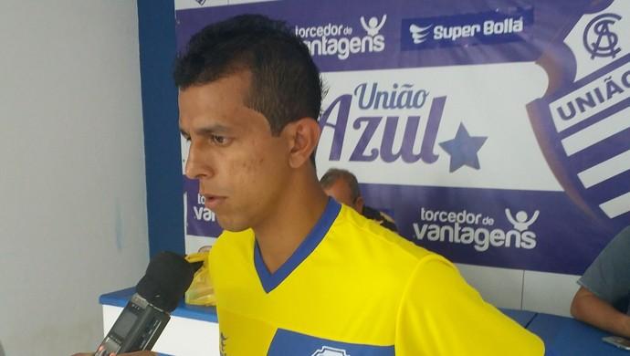 Didira diz que tem condições de atuar os 90 minutos contra o Porto (Foto: Augusto Oliveira/GloboEsporte.com)