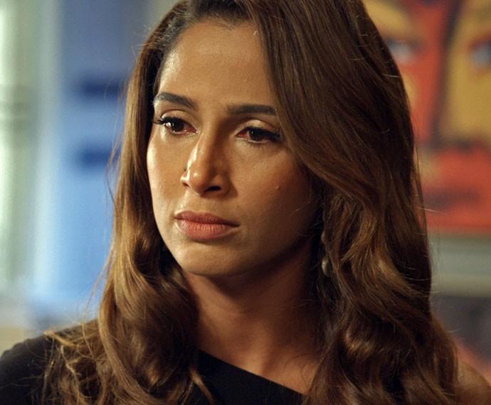 Regina se revolta com o badboy (Foto: TV Globo)