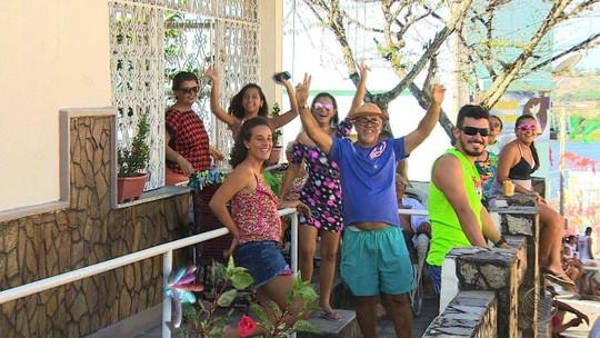 Turistas curtem o carnaval de Neópolis