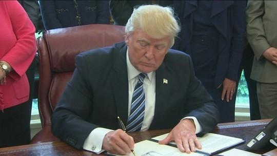 Trump comemora 100 dias à frente da Casa Branca em comício
