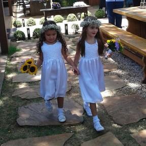 Milla e Julia no casamento da ex-BBB Leticia em Belo Horizonte, Minas Gerais (Foto: Divulgação)