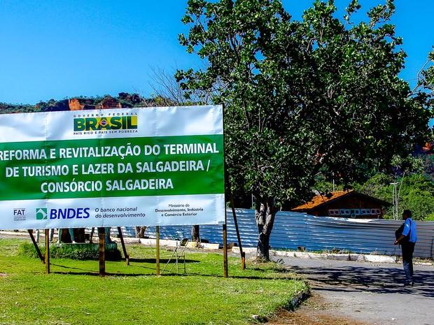 Complexo da Salgadeira está fechado com tapumes para obras de revitalização (Foto: Chico Valdiner/ Secom-MT)