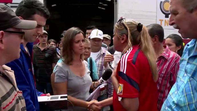 Livia Laranjeira e Fabricio Crepaldi recebem o carinho do povo colombiano  (Foto: Reprodução SporTV)