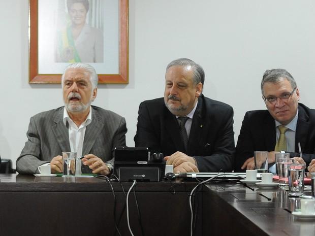 Ministro Jaques Wagner chamou reunião da equipe de Dilma para a manhã desta quarta-feira (Foto: Andressa Anholete/AFP)