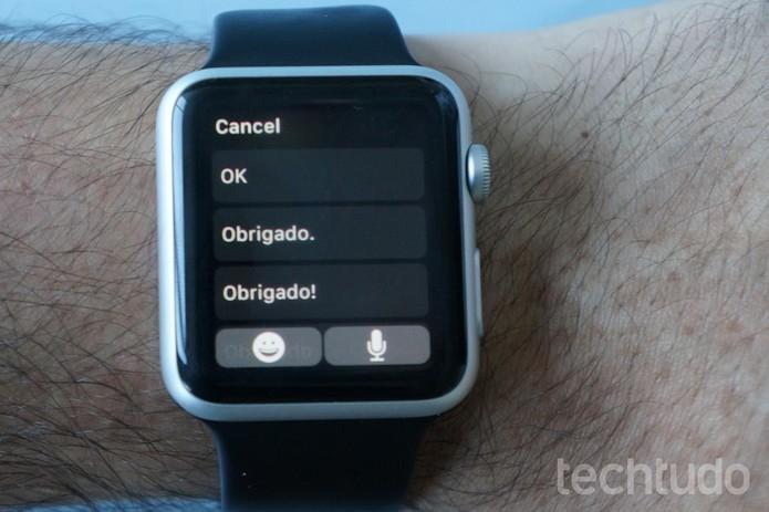 O Apple Watch pode ler e responder mensagens de três formas diferentes (Foto: Bernardo Dabul/TechTudo)