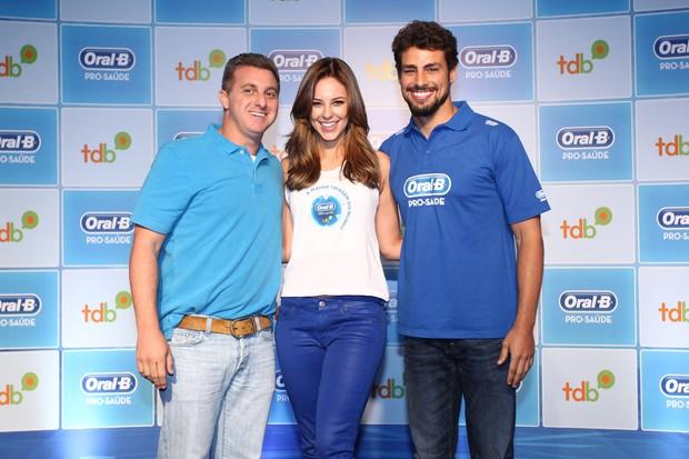 Luciano Huck, Cauã Reymond e Paola Oliveira (Foto: Manuela Scarpa/Fotorio News)