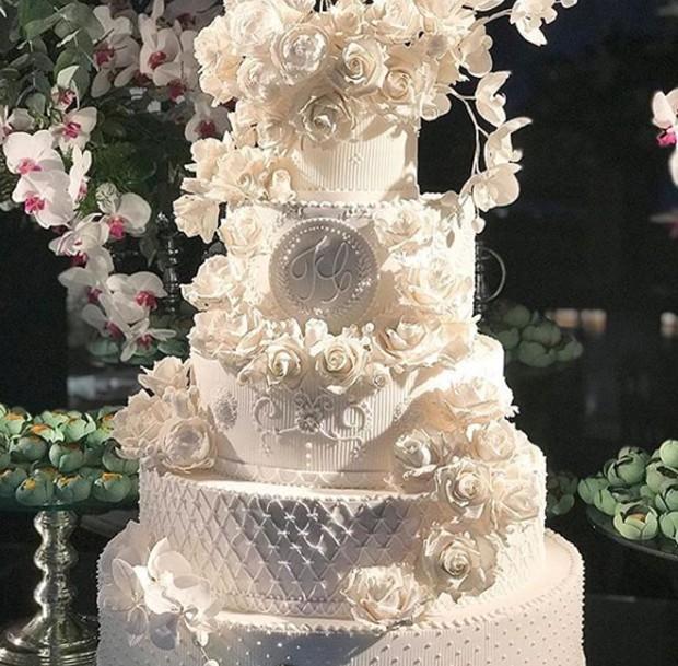 Bolo do casamento de Tici e Tralli (Foto: Reprodução/Instagram)