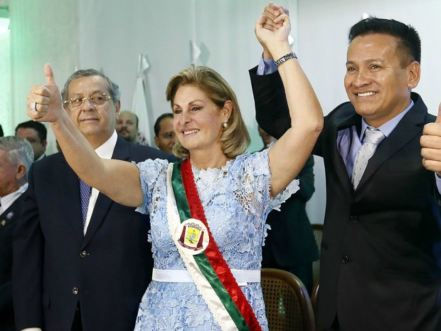 A prefeita Lucimar Campos e seu vice, José Aderson Hazama, durante a solenidade de posse (Foto: Divulgação/Secom)