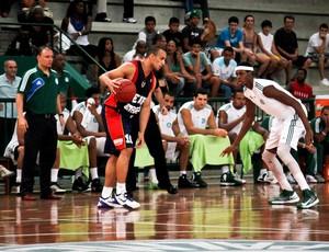 Basquete Alex Brasilia e Palmeiras (Foto: Ale Vianna / Divulgação)