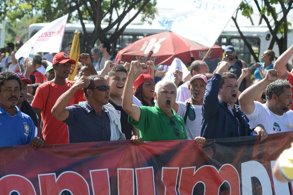Manifestação contra reformas em Vitória (Foto: Carlos Alberto Silva/ A Gazeta)