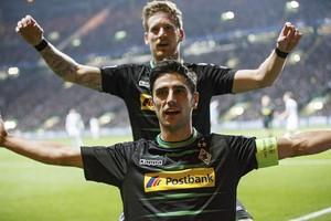 Stindl e Hahn comemoram gol do Borussia Mönchengladbach (Foto: EFE/ROBERT PERRY)