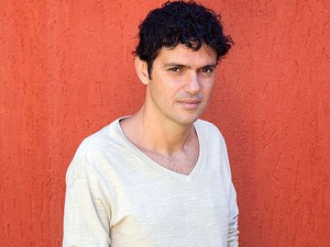 Jorge Vercillo faz show em Salvador (Foto: Léo Aversa/ Divulgação)