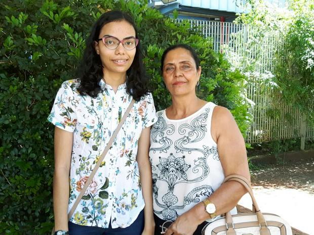 Marília Correa da Silva Santos, de 17 anos, viajou de Rondonia a Ribeirão Preto para prestar a segunda fase da Fuvest (Foto: Gustavo Tonetto/G1)