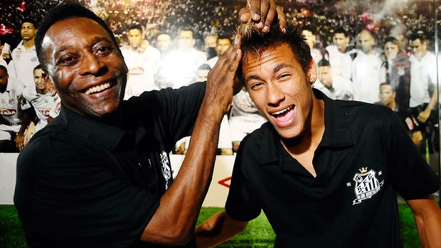 Pel&#233; e Neymar em evento do Santos (Foto: Marcos Ribolli / GLOBOESPORTE.COM)