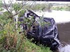 Passageiro morto após carro de luxo cair em rio de SC é identificado