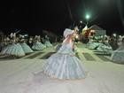 Desfile anima carnaval de Campo Grande nesta segunda-feira