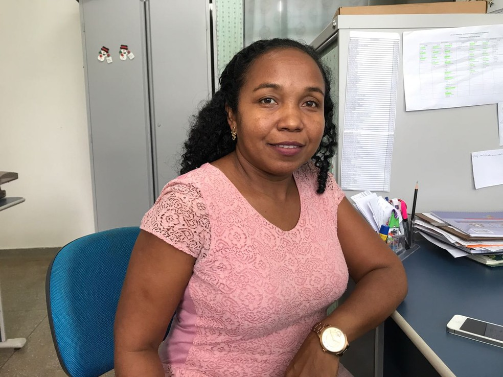 A professora Salomé Carvalho possui seis alunos venezuelanos em sua sala de aula: