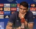 """Thiago Silva lamenta críticas de Romário: """"É difícil ler coisas assim"""""""