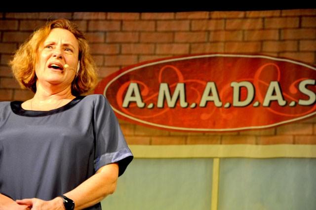 Espetáculo A.M.A.D.A.S. com Elizabeth Savala será no sábado (Foto: Divulgação)
