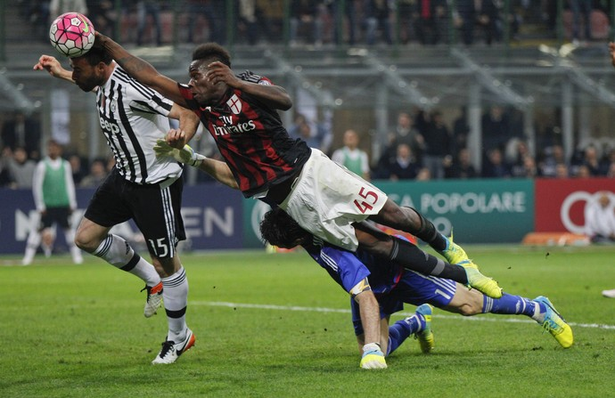 Resultado de imagem para Milan x Juventus 2016