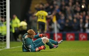Bogdán caído gol Watford x Liverpool (Foto: Reuters / John Sibley)