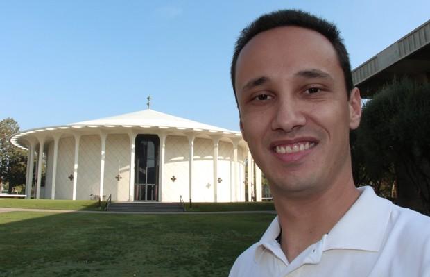 O brasileiro Tales Caldas escolheu o Caltech para realizar seu doutorado na área de nanofotônica (Foto: Tales Caldas/Arquivo Pessoal)