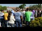 Família vítima de desabamento é enterrada e Prefeitura decreta luto