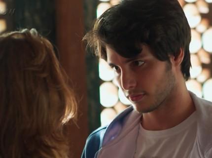Teaser Malhação - 29/9: Lucas desiste de dançar com Juliana