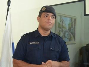 Tenente Aldimas participou da negociação (Foto: Roger Henrique/G1)
