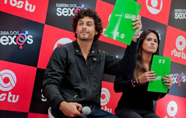 Jesus Luz e Antonia Morais participam de game de Guerra dos Sexos em Florianópolis (Foto: José Luiz Somensi/ Divulgação)