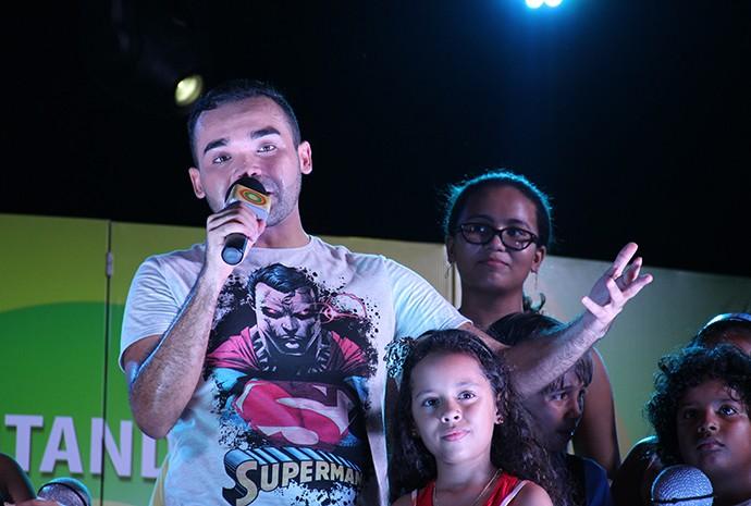 Oyama agradeceu pelo carinho  (Foto: Katiúscia Monteiro/ Rede Amazônica)