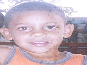Emivaldo Brayan, de 4 anos, desaparece em Indiara, Goiás (Foto: Reprodução/ TV Anhanguera)